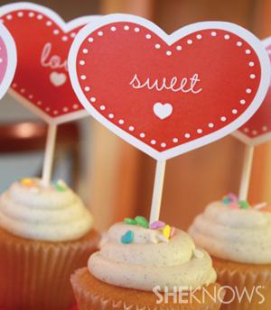 valentine-shower-cupcakes