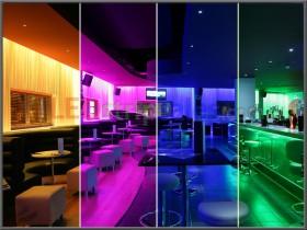 Iluminación de tira LED de 32.8 pies RGB 300 LED's flexibles que cambian de color con 44 teclas Control remoto IR, caja de control, fuente de alimentación 12V 5A para la iluminación casera decorativa